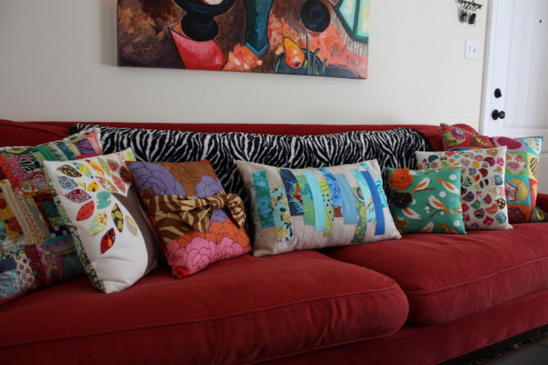 Decorating Home With Throw Pillows