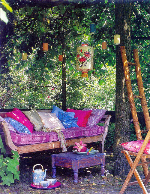 Unique garden decor house decor ideas for Fun garden decoration ideas