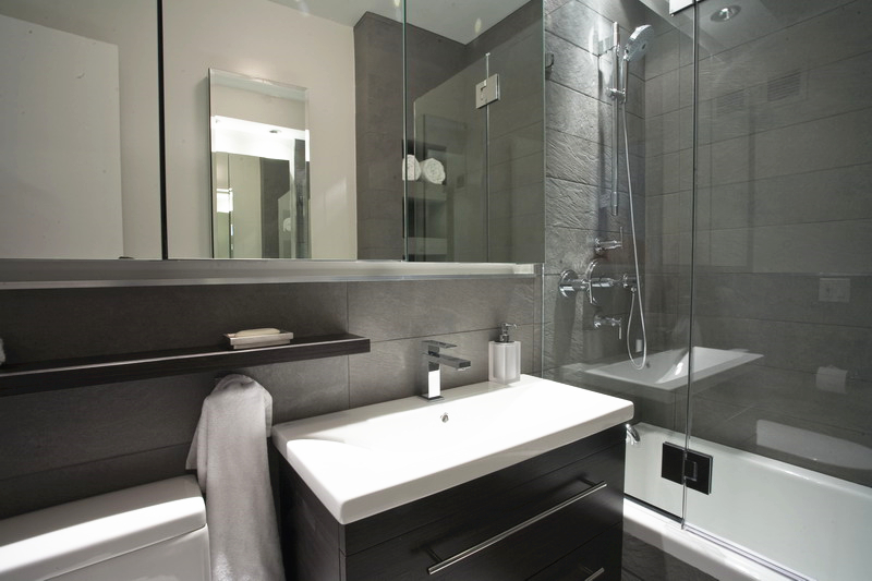 Merveilleux First Of All, You May Have Notice That All The Hotel Bathrooms Have The  Mirror Which Is As Big As It Can Be. With The Big Mirror, Your Bathroom  Appears To ...