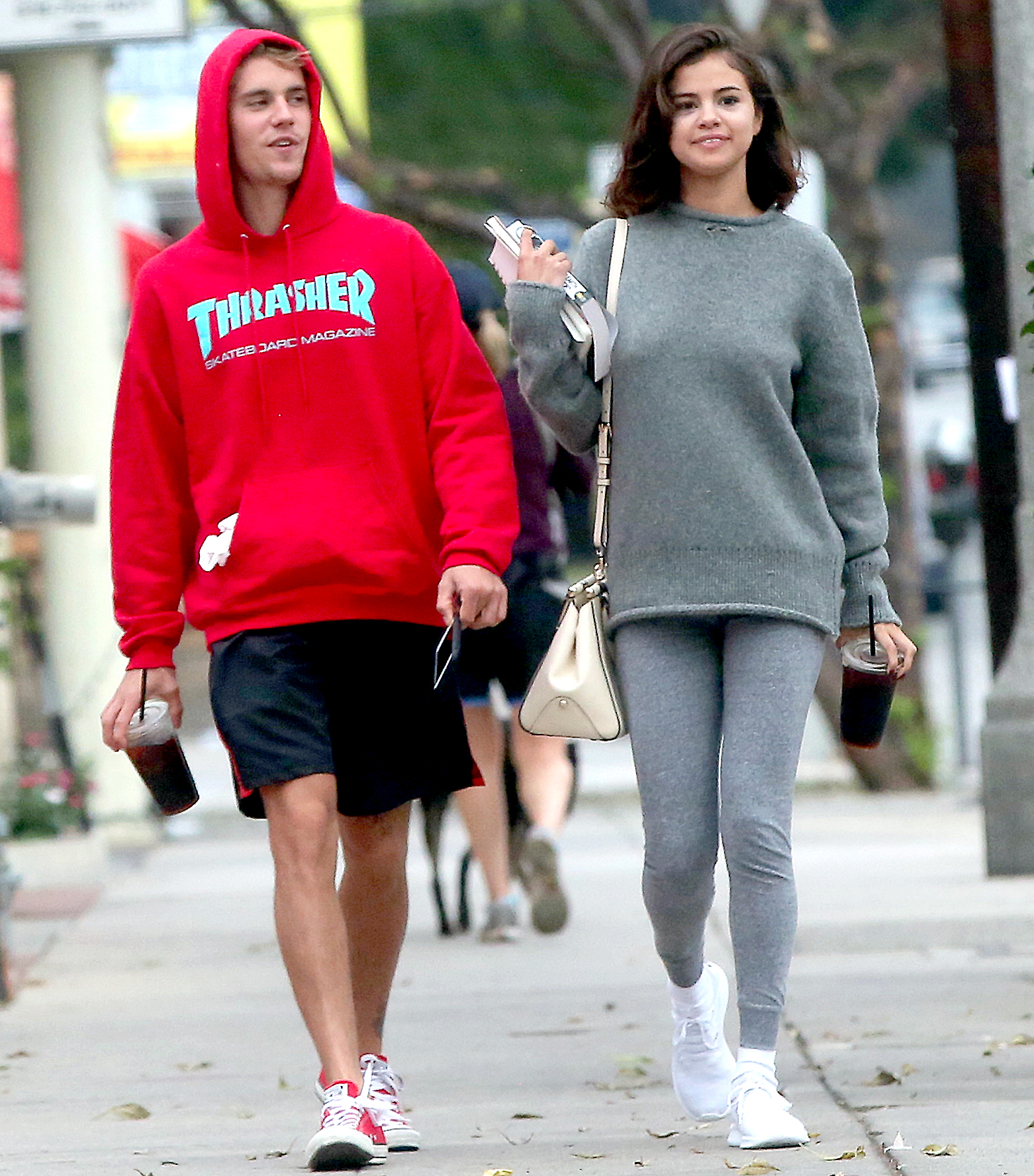 Justin Bieber and Selena Gomez Are Officially Back ...